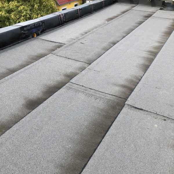 Relativ Bitumen- & PVC-Flachdachabdichtung vom Profi ✓ - D & W Dach West GmbH SH32